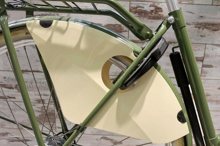 Hollandrad nahaufnahme fahrradschloss in 2Rad Fahrradladen in München