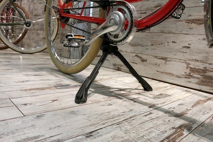 Retro Fahrrad + Mutter-Kind Fahrradständer in 2Rad Fahrradladen München